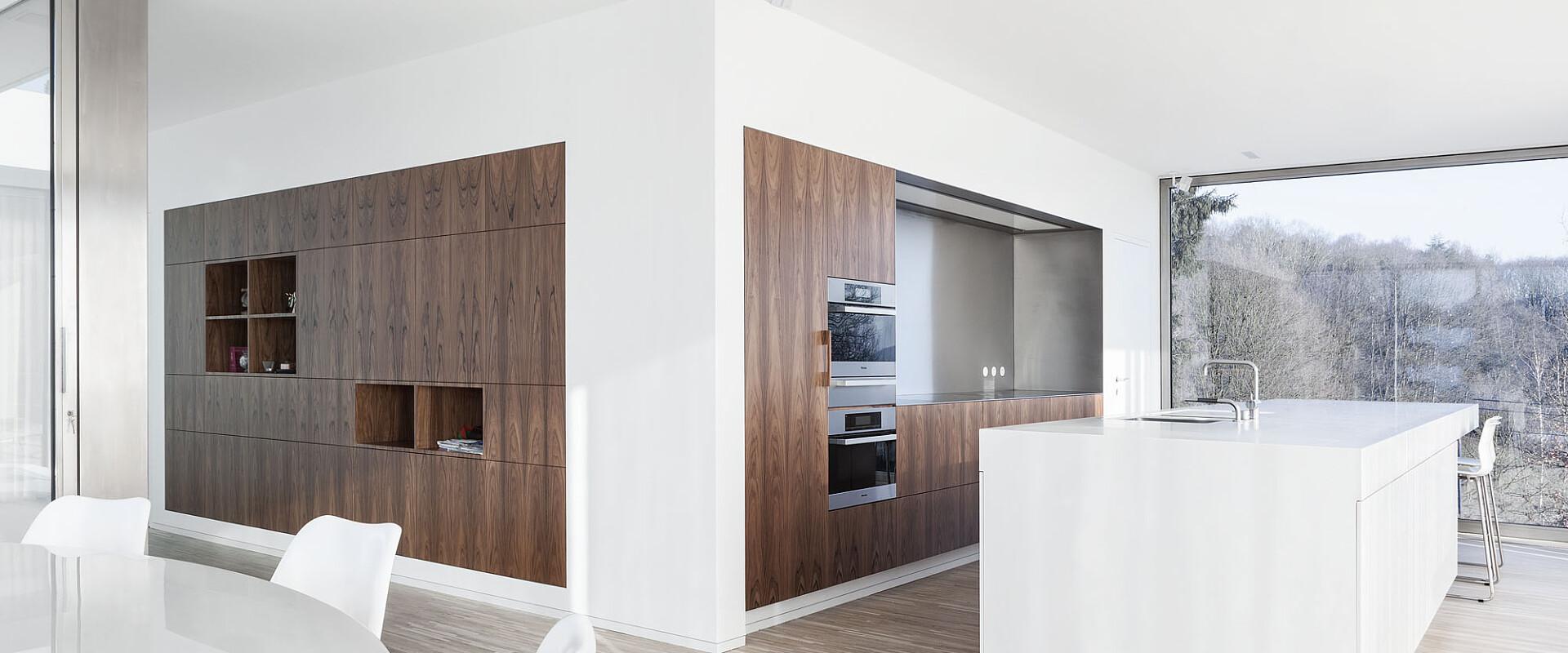 Keuken Met Centrale Corian Keukenblok In Villa Te Halle Wilfra Waregem